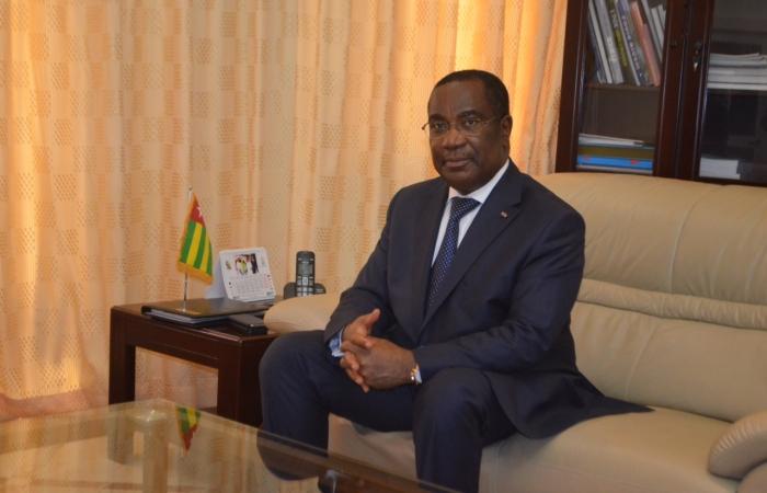 Audience accordée par le Premier Ministre Selom Klassou au Directeur régional du PAM, Abdou Dieng, le 15 mars 2017.