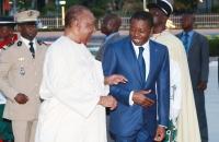 Faure Gnassingbé et Gilchrist Olympio au monument de l'independance