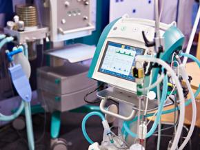 coronavirus-le-togo-receptionne-16-tonnes-de-materiel-medical-et-commande-250-respirateurs