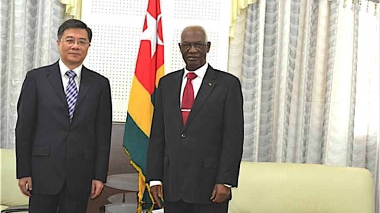 au-nouveau-siege-de-la-representation-nationale-le-president-dama-dramani-echange-avec-le-nouvel-ambassadeur-de-chine
