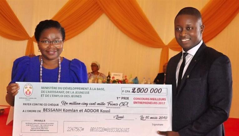 togo-le-gouvernement-recompense-les-meilleurs-jeunes-entrepreneurs-2017
