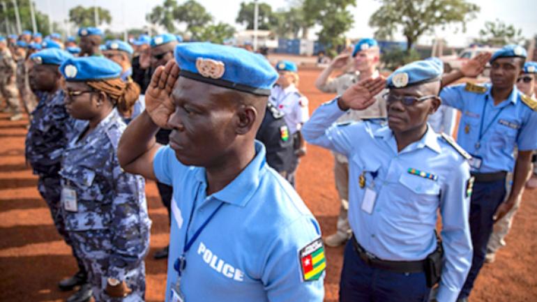 l-onu-celebre-ses-casques-bleus-et-rend-hommage-a-deux-togolais
