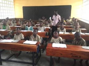 le-ministere-des-enseignements-primaire-et-secondaire-et-la-banque-mondiale-procedent-a-une-evaluation-a-mi-parcours-du-peri-2