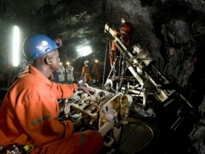 Ghana : AngloGold veut recruter 2000 travailleurs à sa mine Obuasi