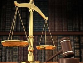 le-parlement-autorise-la-creation-des-tribunaux-commerciaux