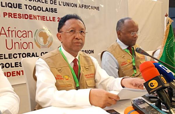 l-union-africaine-la-cedeao-et-le-conseil-de-l-entente-saluent-une-election-apaisee-credible-et-transparente