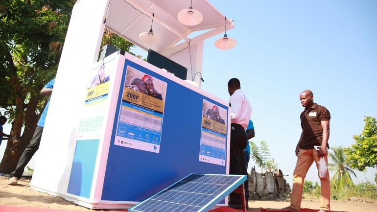 le-togo-beneficie-d-un-financement-de-40-millions-de-dollars-des-usa-pour-un-projet-d-electrification-par-kit-solaire
