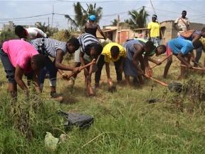 6655-personnes-dans-les-rues-ce-samedi-pour-l-operation-lome-propre-initiee-par-le-gouvernement