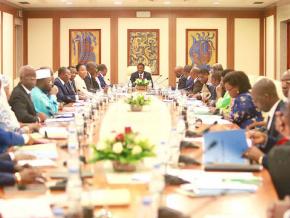 le-gouvernement-a-tenu-ce-mercredi-son-8eme-conseil-des-ministres-des-annonces-dans-le-commerce-et-la-securite