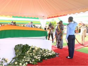 le-parlement-a-rendu-hommage-a-ouattara-fambare-natchaba