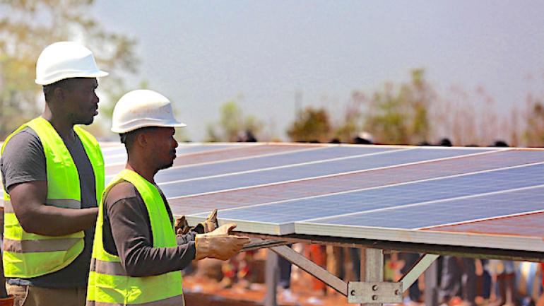 deux-nouvelles-centrales-solaires-bientot-construites-a-sokode-et-kara