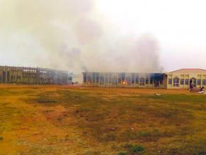 un-incendie-endommage-partiellement-la-maison-des-jeunes-de-lome
