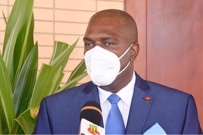 l-ambassadeur-d-angola-en-fin-de-mission