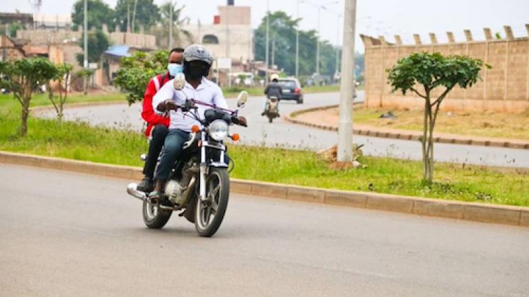 la-dosi-devoile-une-application-numerique-pour-les-conducteurs-de-taxi-motos