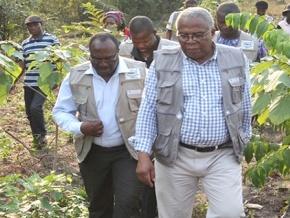 andre-johnson-le-ministre-de-l-environnement-et-des-ressources-forestieres-au-contact-des-agents-forestiers-du-08-au-12-octobre