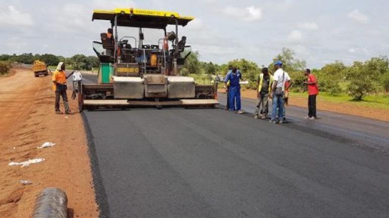 pres-de-600-km-de-routes-seront-rehabilitees-et-bitumees-d-ici-2022