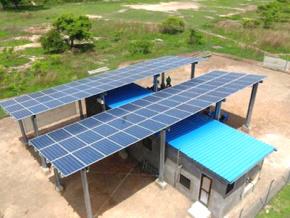 317-localites-rurales-bientot-electrifiees-par-mini-reseaux-solaires