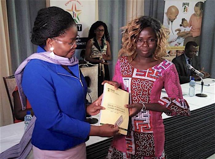 la-ministre-victoire-tomegah-dogbe-lance-le-programme-de-couverture-sociale-des-volontaires-nationaux-de-competence