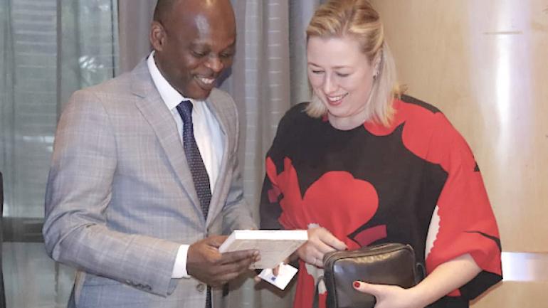 vers-un-nouvel-accord-entre-l-ue-et-les-etats-d-afrique-des-caraibes-et-du-pacifique