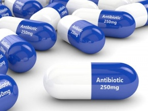 ouverture-a-lome-de-la-semaine-du-pharmacien-consacree-a-la-lutte-contre-l-usage-excessif-des-antibiotiques