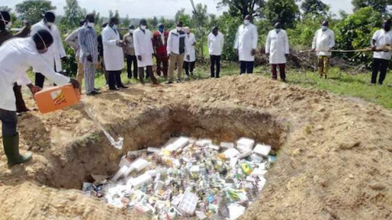 plus-de-3-tonnes-de-faux-medicaments-veterinaires-detruits-a-kara