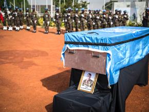la-minusma-rend-hommage-au-caporal-kossi-agounwadje-decede-des-suites-d-une-attaque-au-mali