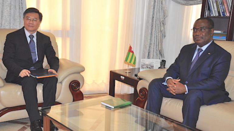 le-premier-ministre-a-discute-cooperation-bilaterale-avec-l-ambassadeur-de-chine