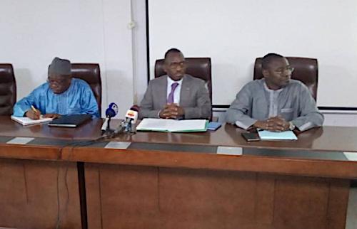 une-delegation-ministerielle-en-tournee-nationale-aupres-des-agents-de-l-administration-publique