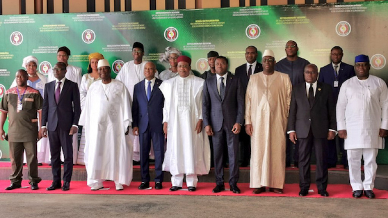 le-chef-de-l-etat-prend-part-au-sommet-extraordinaire-de-la-cedeao-a-niamey-ce-vendredi