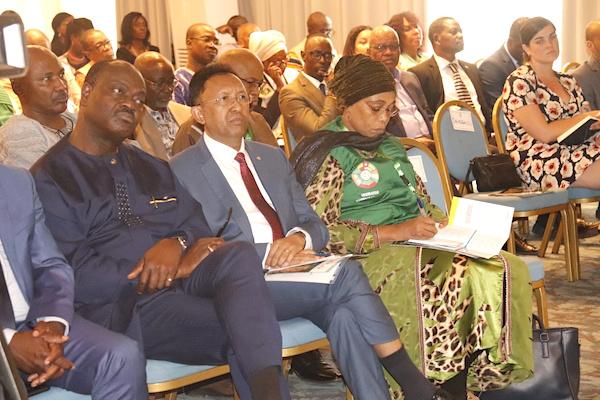 presidentielle-pres-de-300-observateurs-internationaux-accueillis-a-lome