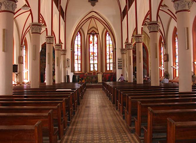 reouverture-partielle-des-lieux-de-culte-prochainement