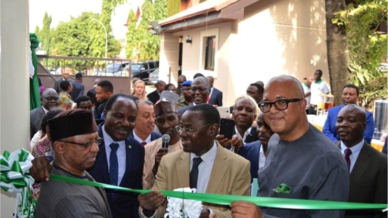 un-centre-regional-de-controle-et-de-gestion-des-epidemies-inaugure-ce-jour-a-abuja-par-le-ministre-togolais-de-la-sante