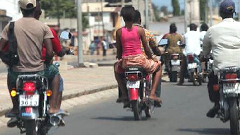 le-gouvernement-accompagnera-les-conducteurs-de-taxi-motos-et-tricycles-pendant-l-etat-d-urgence