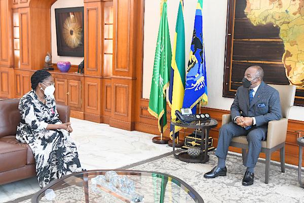 a-libreville-la-premier-ministre-recue-par-ali-bongo