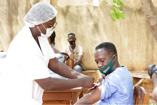 vaccination-debut-de-l-administration-de-la-deuxieme-dose-la-semaine-prochaine