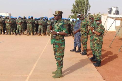 les-autorites-militaires-au-chevet-des-casques-bleus-togolais-de-la-minusma