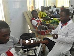 togo-le-centre-national-de-transfusion-sanguine-associe-les-leaders-religieux-a-sa-campagne-de-collecte-du-sang