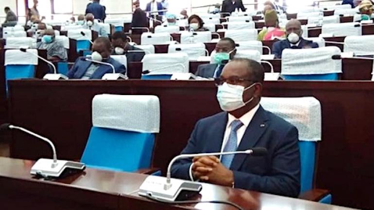 coronavirus-le-parlement-autorise-le-gouvernement-a-legiferer-par-ordonnances-pendant-06-mois