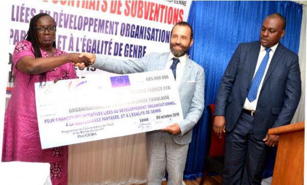 665-millions-fcfa-pour-30-organisations-de-la-societe-civile