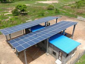 des-projets-d-energie-solaire-d-environ-300-mw-seront-bientot-developpes