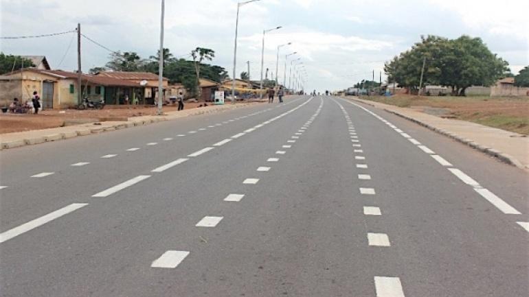 le-gouvernement-receptionne-les-travaux-de-la-route-notse-tohoun