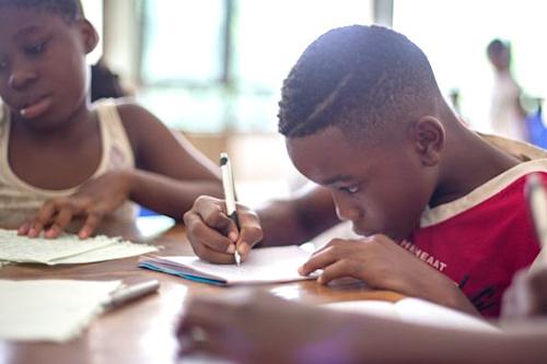 un-programme-bientot-deploye-au-togo-pour-connecter-les-ecoles-a-internet