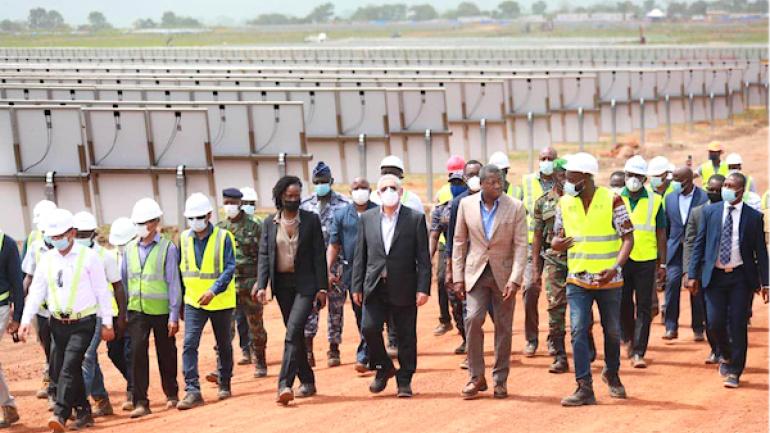 centrale-solaire-de-blitta-le-chef-de-l-etat-s-enquiert-de-l-evolution-du-chantier