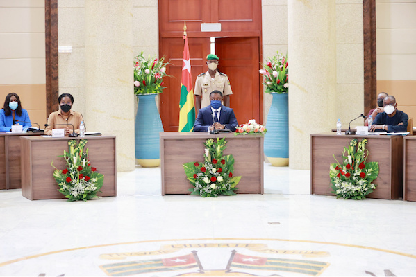 conseil-des-ministres-deux-avant-projets-de-loi-un-projet-de-decret-et-sept-communications